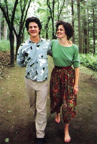 Con il marito Jim Simpsons