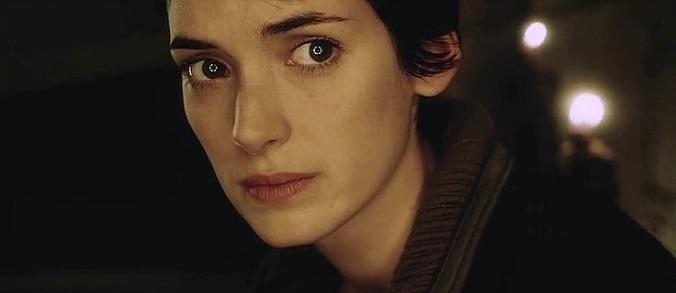 Annalee Call (Winona Ryder)